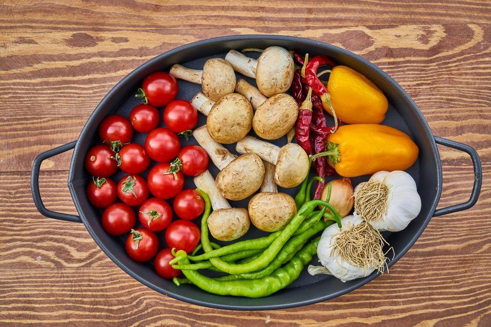 """Isabel Foxen Duke: Oddělování """"zdraví"""" a """"váhy"""" pro vyléčení nutkavého jedení"""
